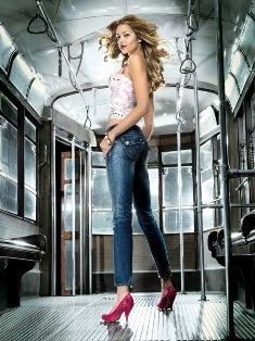 fornarina_fabulous_legs1