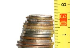 3888118-dobbiamo-ridurre-le-spese