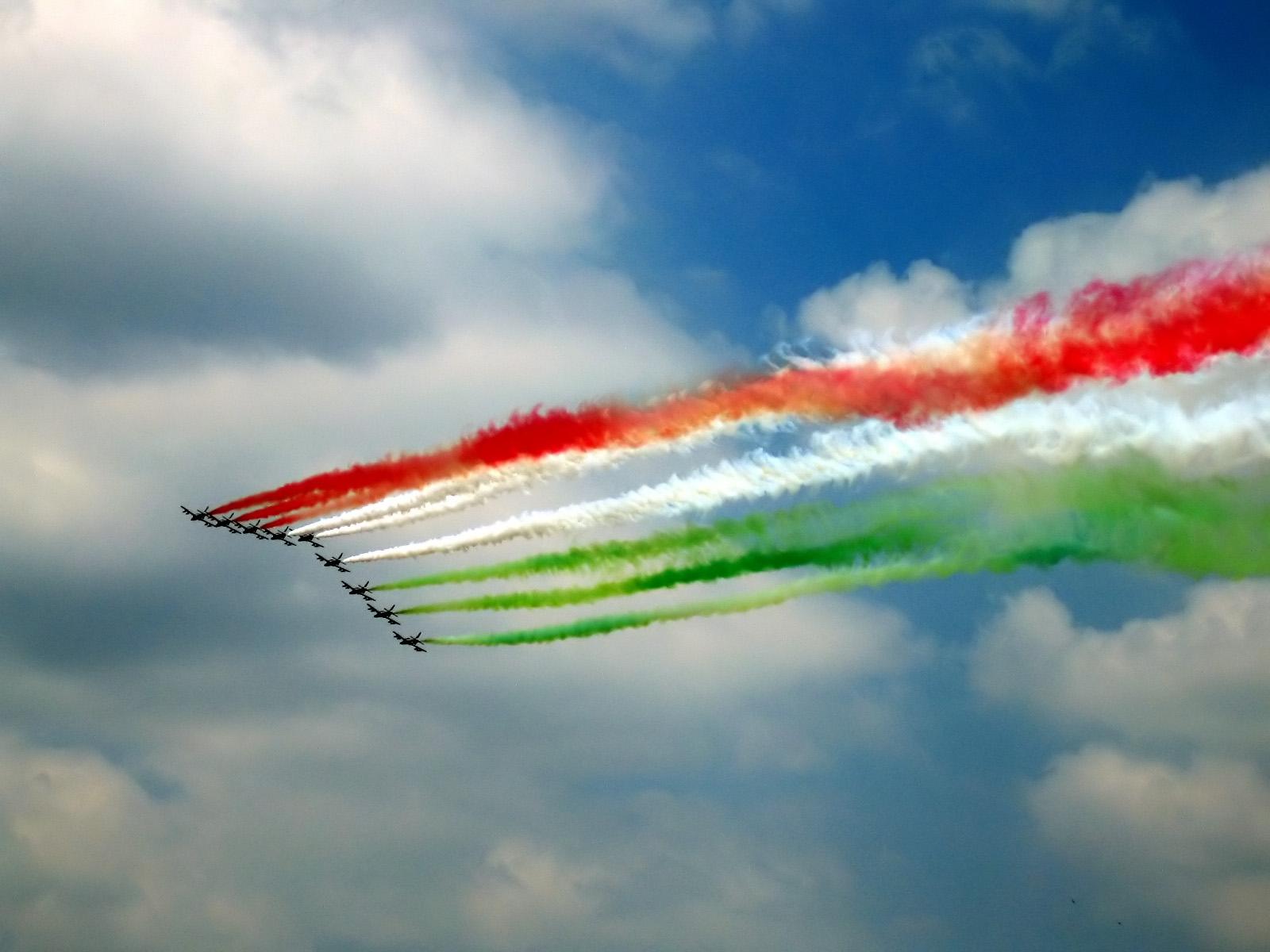 festa_della_republica_con_frecce_tricolori