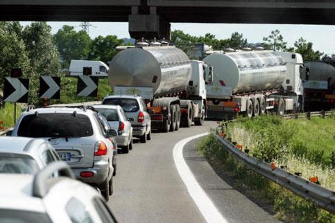 blocco_tir_autostrada_n