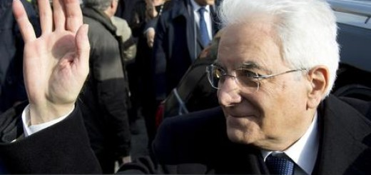 MATTARELLA IN ZONE TERREMOTATE, 'AMMIRO CORAGGIO DEI RAGAZZI'