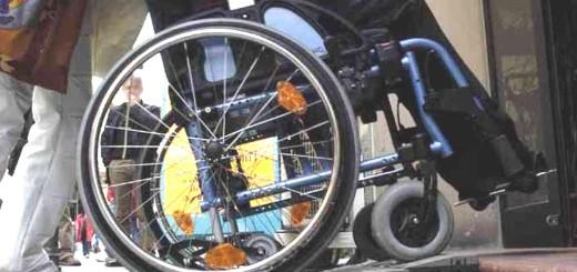 Rn,28/03/06: pedana per portatori di handicap �Riccardo Gallini_GRPhoto