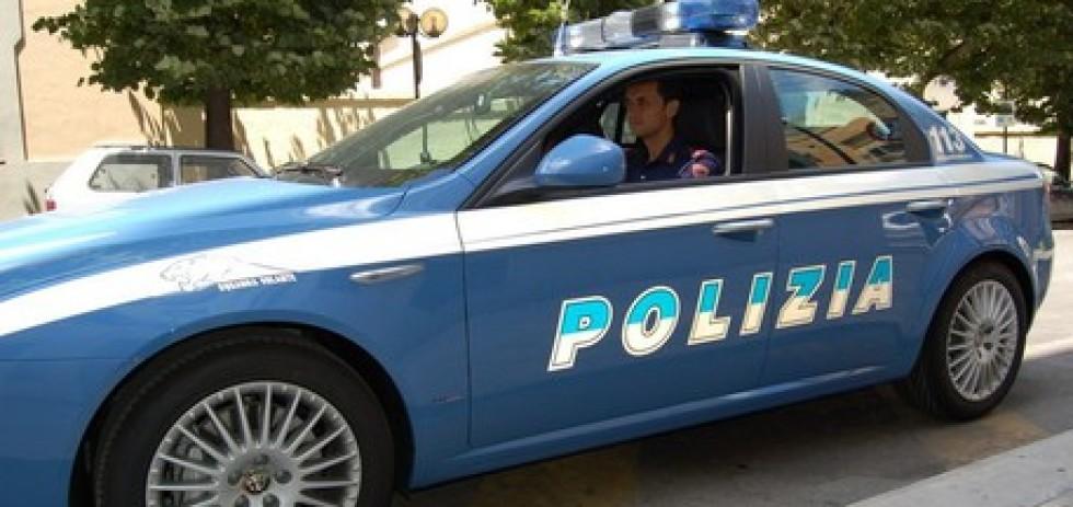 Matera, automobile della Polizia