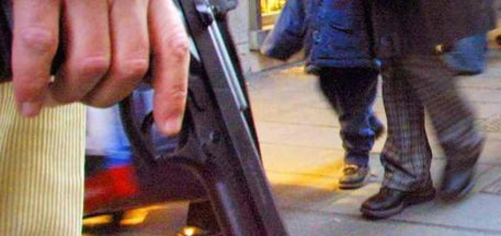 Pistola giocattolo tappo rosso