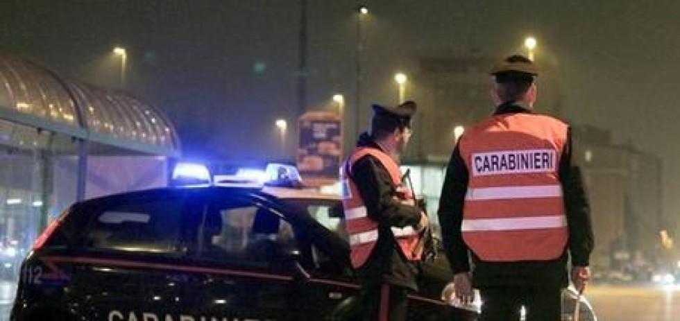 Posto di blocco notturno dei carabinieri a Osimo