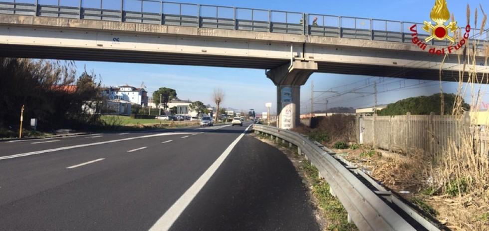 Viabilità: vibrazioni ponte dopo caduta calcestruzzo, chiuso
